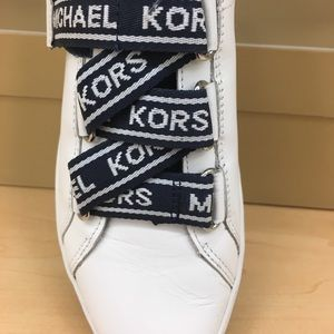 SALE!!!💙Michael Kors White Sneakers 💙